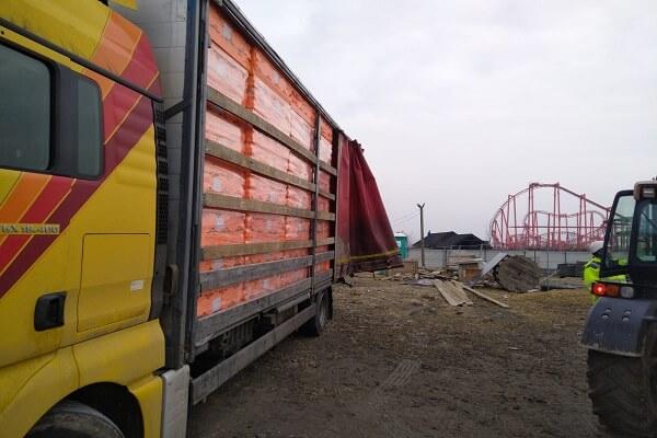 Styropian Xps Zentyss Twardy 150 Mm Nowa Dostawa Ciężarówką DoParku Rozrywki Energylandia