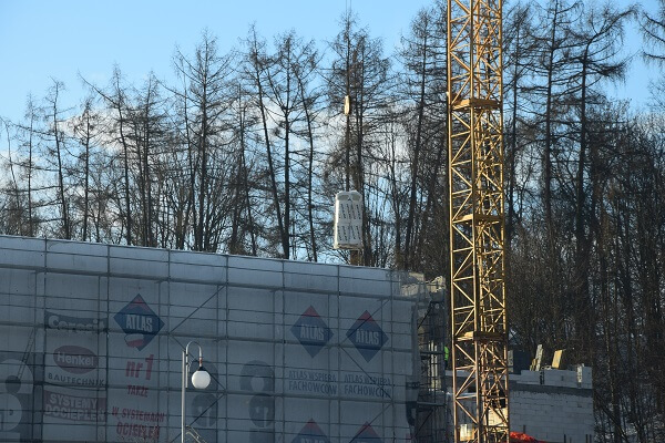 Wełna Mineralna Petralight Dostawy NaPrzebudowę Limanowskiego Domu Kultury Rozładunek żurawiem Wieżowym